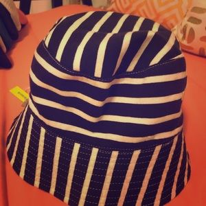 Children's hat sharks n stripes